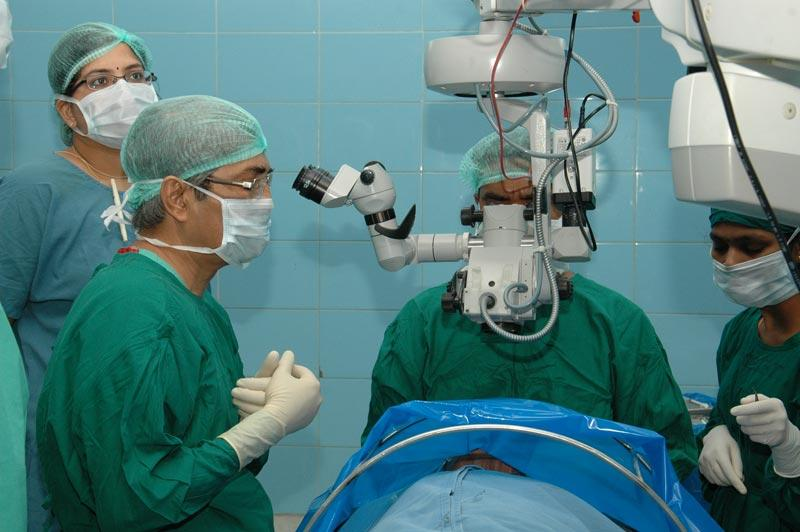 Dr. Samar Basak assisting local corneal surgeons perform DSEK surgery.
