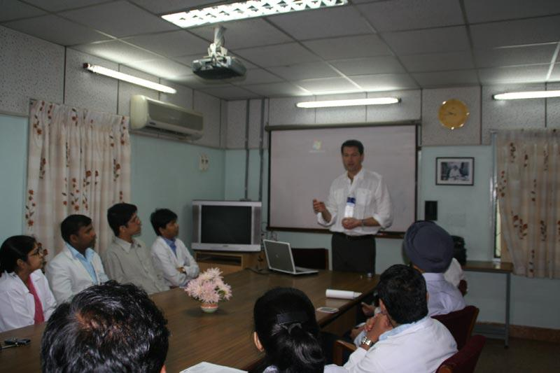 Dr. Aldave lecturing to the residents at Aravind Eye Hospital, Madurai.